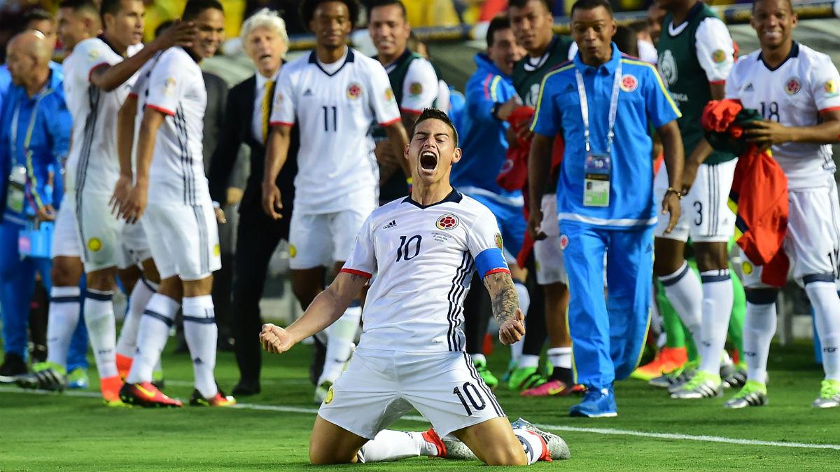 James celebra la victoria la de Colombia. (AFP)