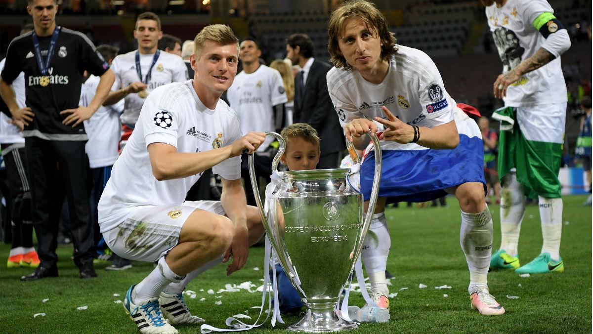 Kroos y Modric posan con la Undécima Champions. (Getty)
