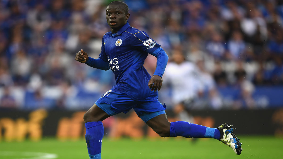 Kante durante un partido con el Leicester City