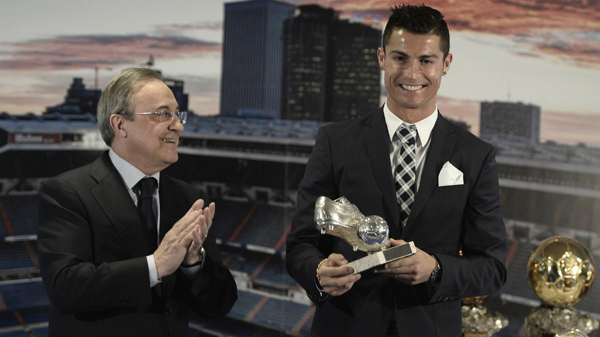 Florentino Pérez, junto a Cristiano Ronaldo tras su renovación. (Getty)