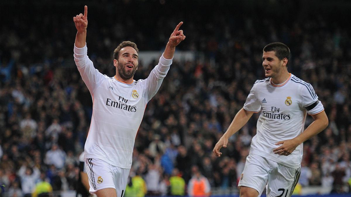 Carvajal celebra un gol junto a Morata en el Bernabéu. (Getty)