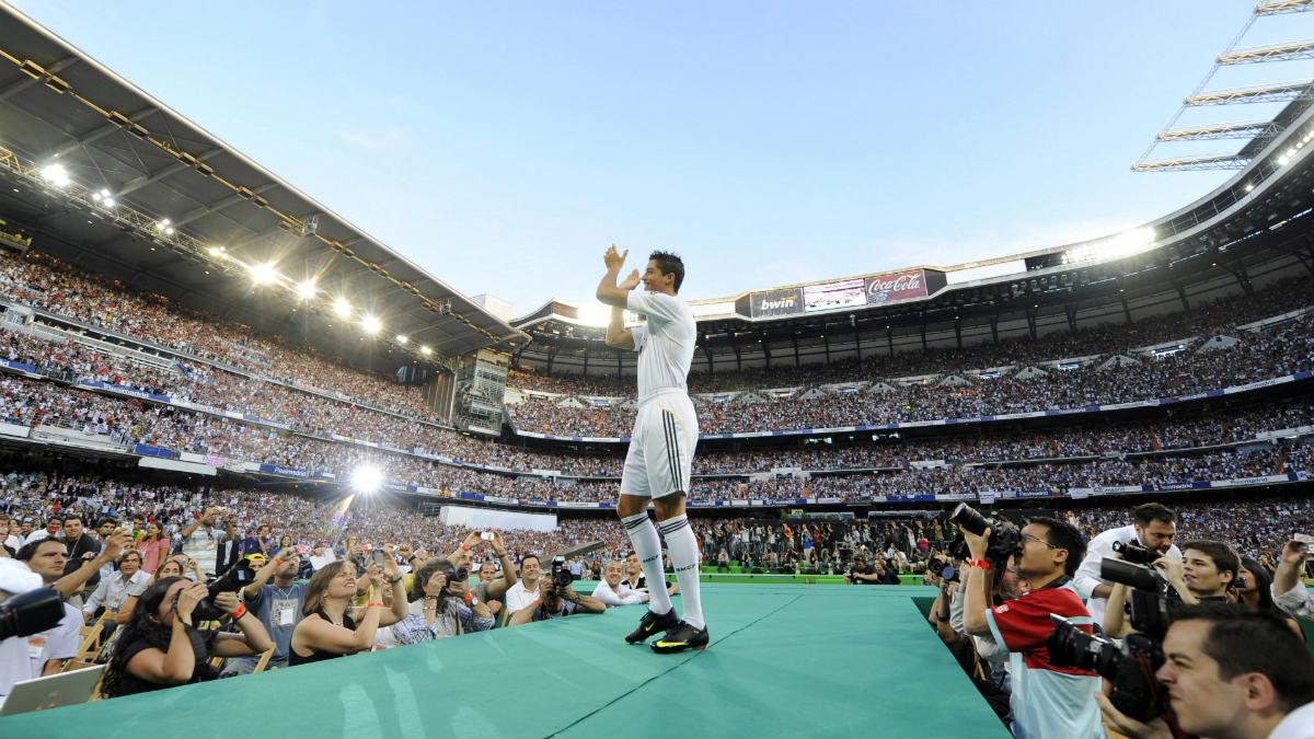 Cristiano Ronaldo, en su presentación en el Bernabéu. (AFP)