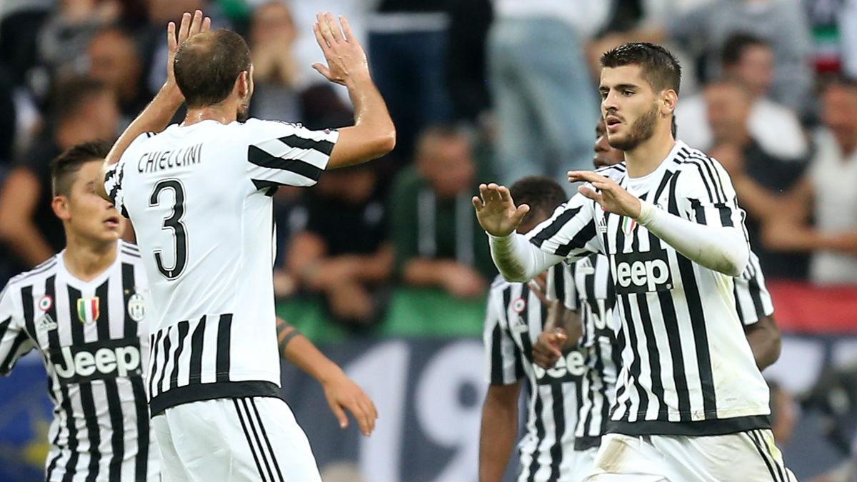 Morata y Chiellini celebran un gol con la Juventus. (Getty)