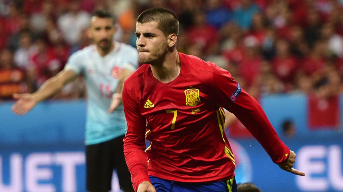 Morata celebra un gol contra Turquía. (AFP)