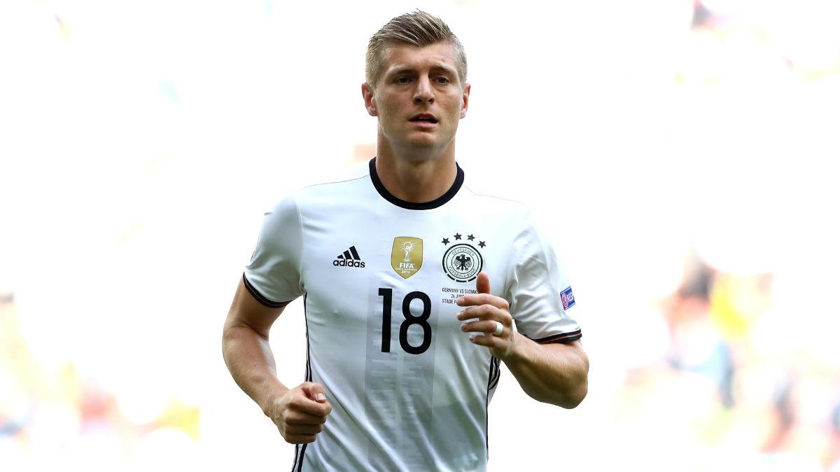 Toni Kroos oposita para estar en el podio del Balón de Oro. (Getty)