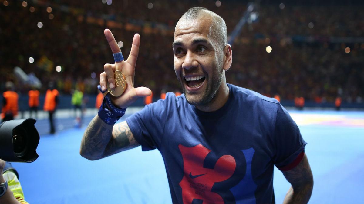 Alves en su etapa como jugador del Barcelona