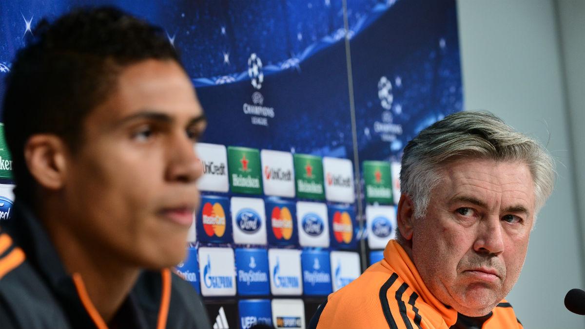 Ancelotti sueña con Varane en el Bayern. (AFP)