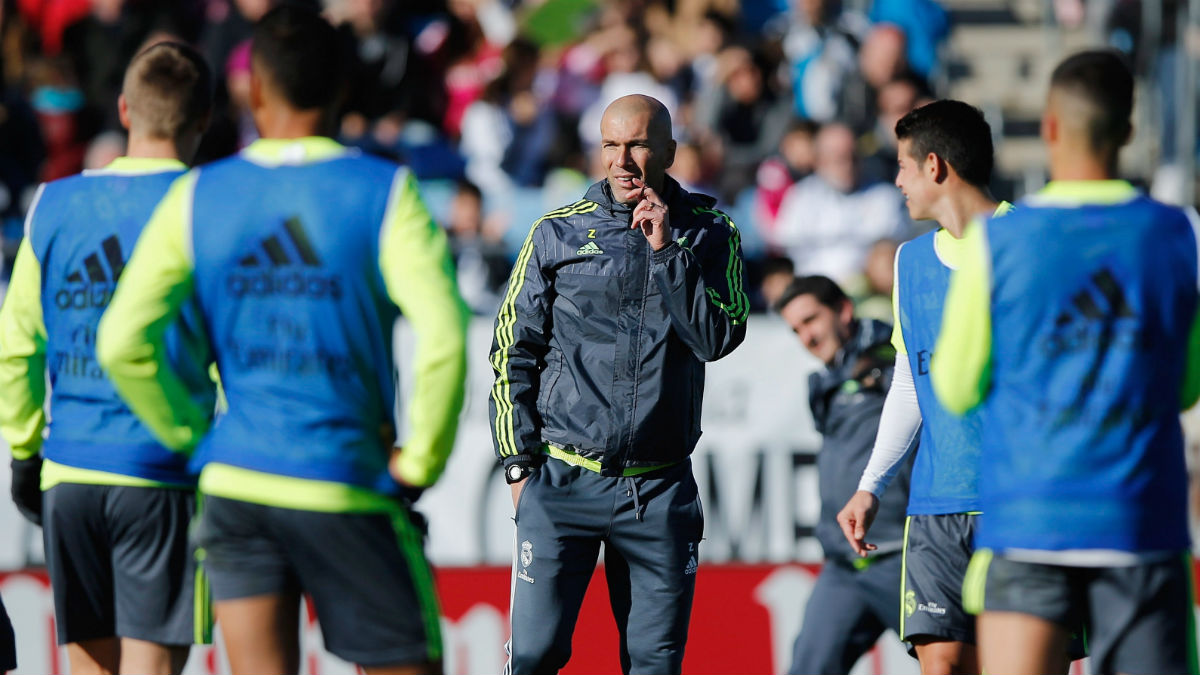 Zinedine Zidane, en un entrenamiento en Valdebebas. (Getty)