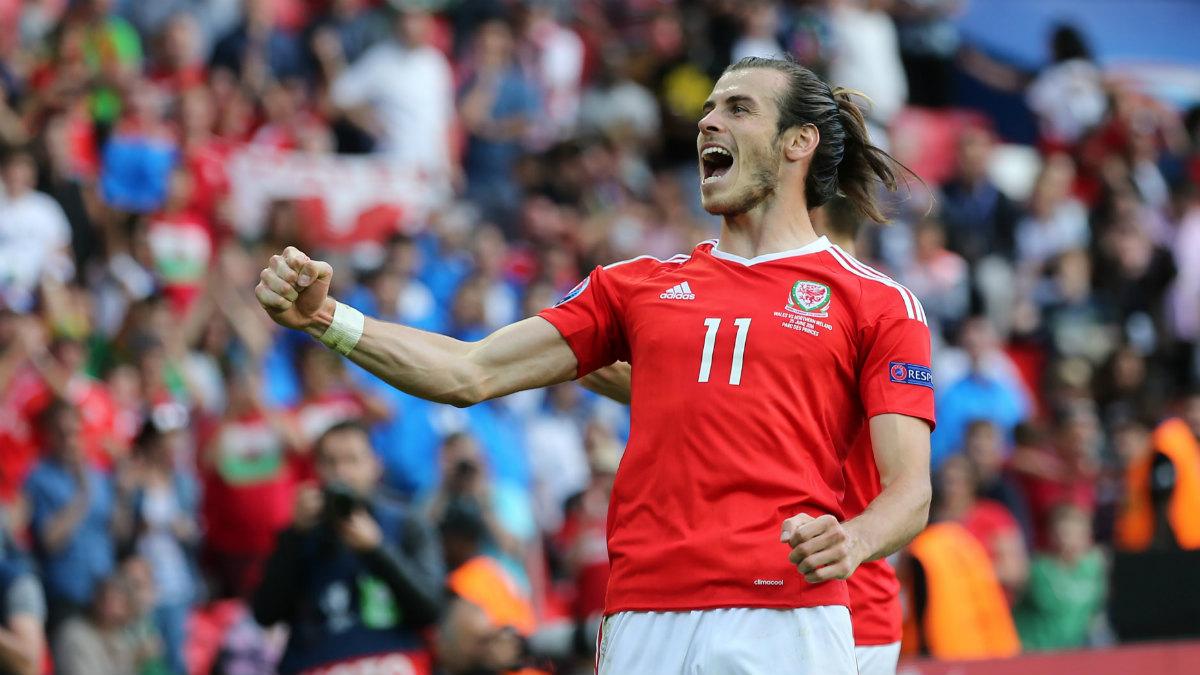 Gareth Bale celebra la eliminación de Irlanda del Norte. (Getty)