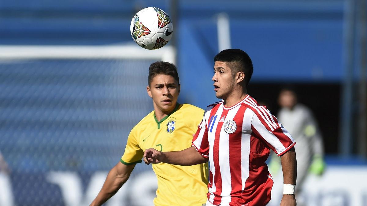 Sergio Díaz, en un partido con Paraguay ante Brasil. (Getty)
