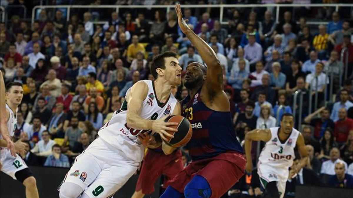 Víctor Claver, esta temporada en Euroliga contra el Barcelona.