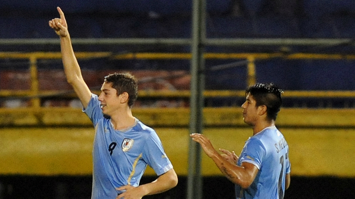 Federico Valverde celebra un gol con Uruguay. (AFP)