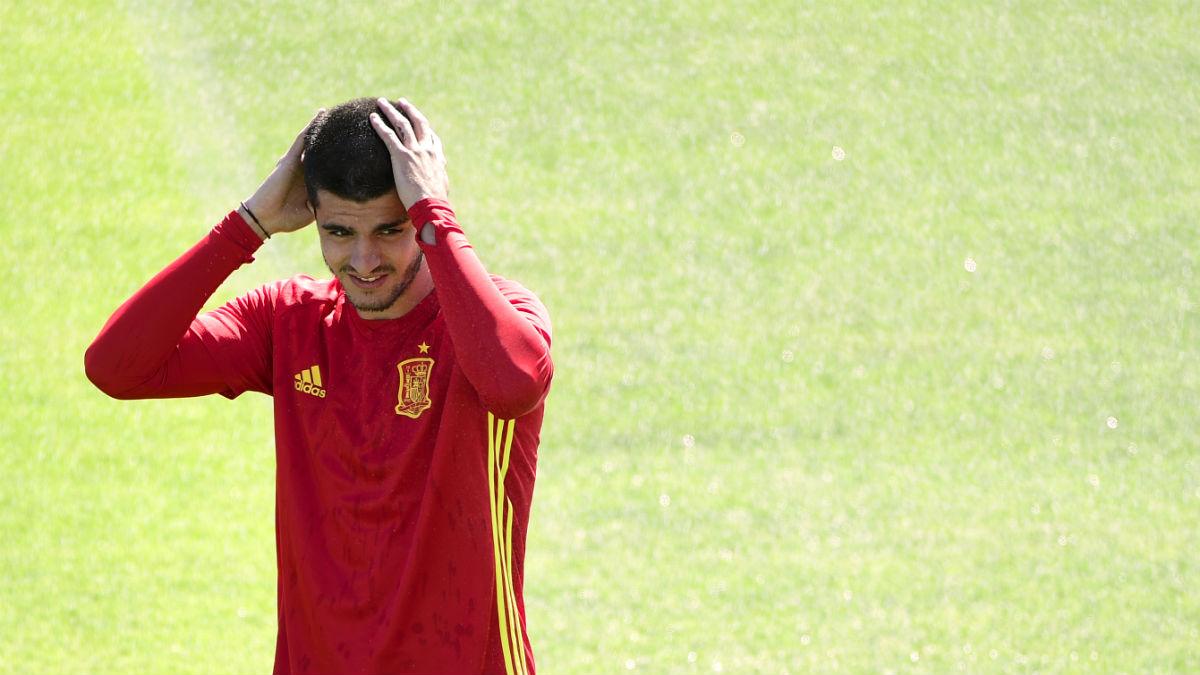 Álvaro Morata, en un entrenamiento con la selección. (AFP)