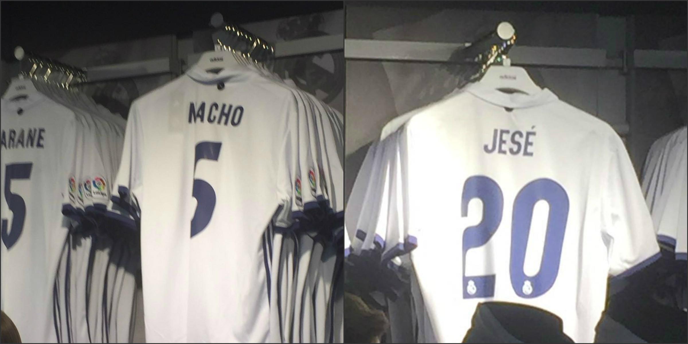 Las camisetas de Nacho y Jesé, en la tienda del Real Madrid.