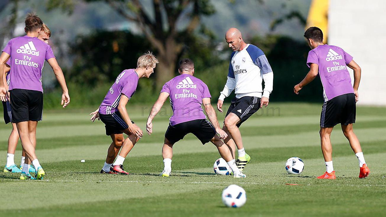 Zidane disfruta de la mejor plantilla del mundo.