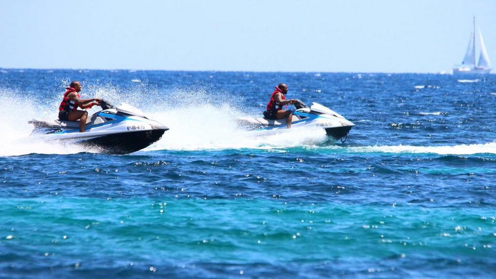 Draper y Rice, en Ibiza disfrutando de sus vacaciones.