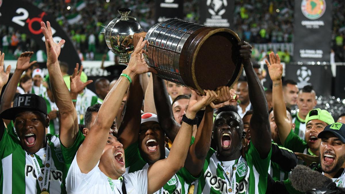 Atlético Nacional levanta la Copa Libertadores. (AFP)