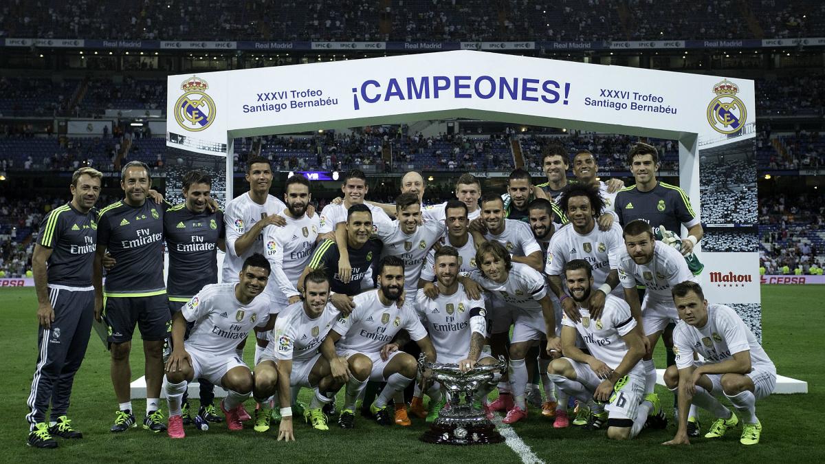 El Real Madrid celebra la victoria en el Trofeo Bernabéu. (Getty)