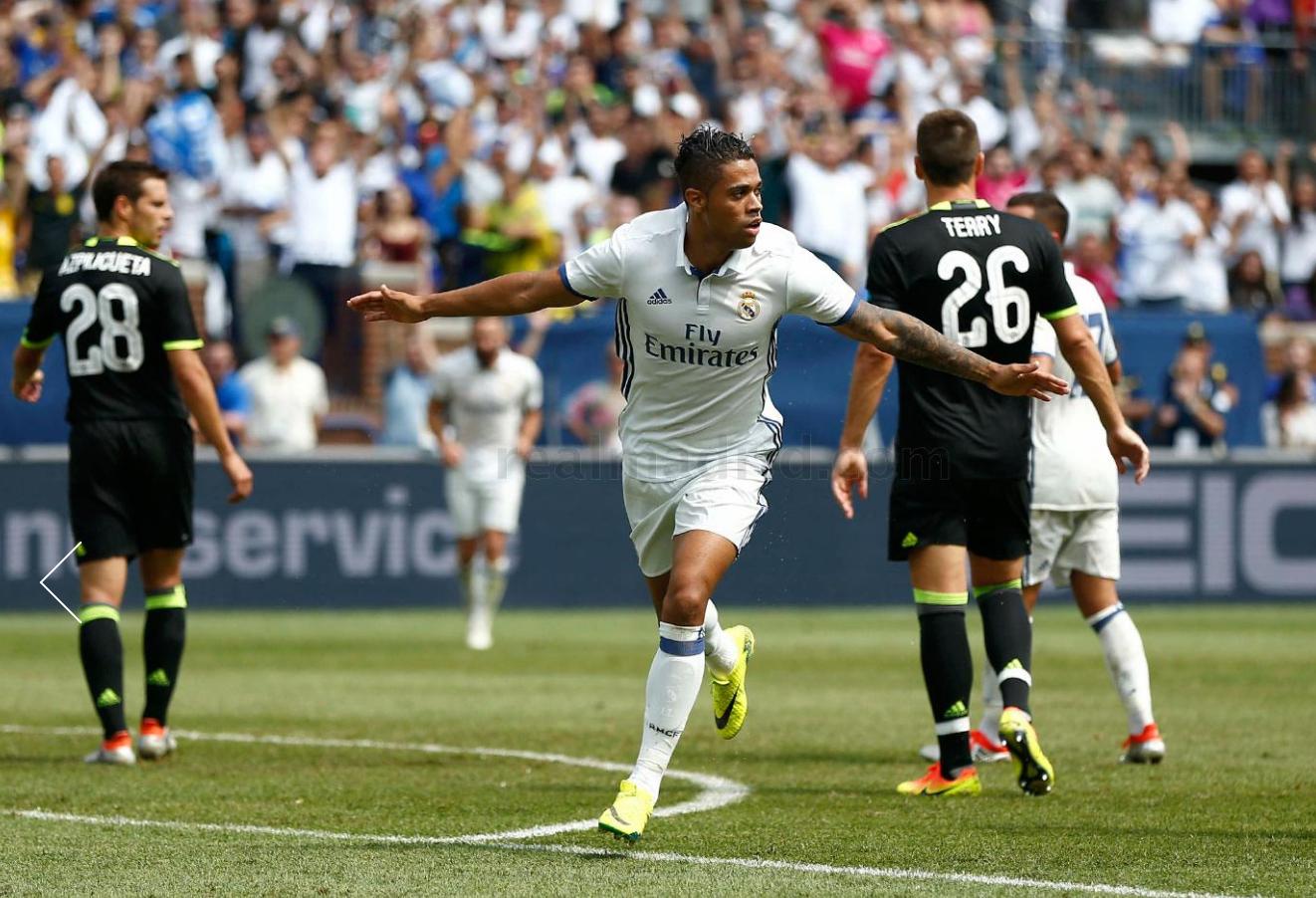 Mariano celebra su gol ante el Chelsea. (Realmadrid.com)