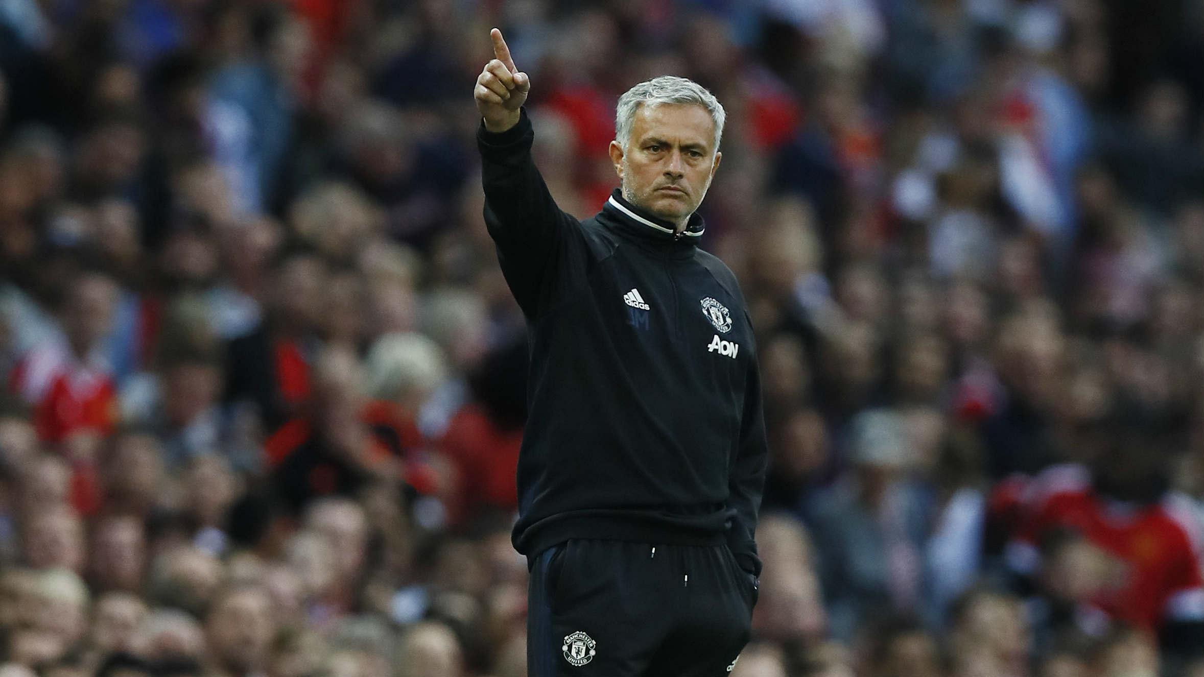 Mourinho, en el partido ante el Everton. (Reuters)