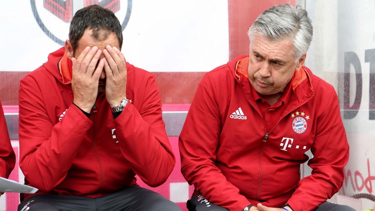 Ancelotti, junto a Clement en un partido de pretemporada. (AFP)