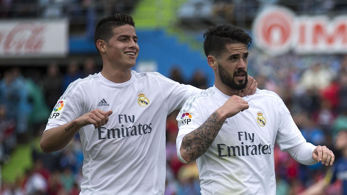 Isco y James, celebrando un gol del malagueño durante la pasada campaña.