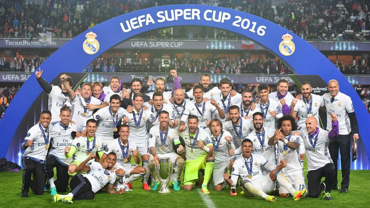 El Real Madrid celebra la Supercopa de Europa. (Getty)