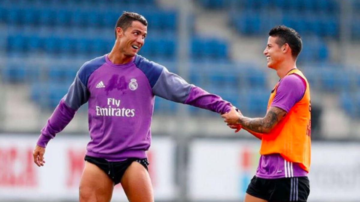 Cristiano Ronaldo y James, en un entrenamiento.