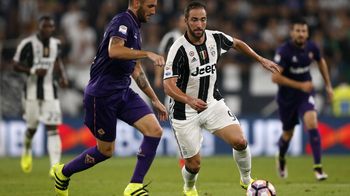 Higuaín anotó el gol del triunfo ante la Fiorentina. (AFP)