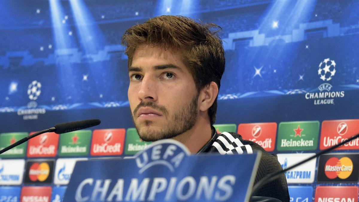 Lucas Silva, en una rueda de prensa con el Real Madrid. (AFP)