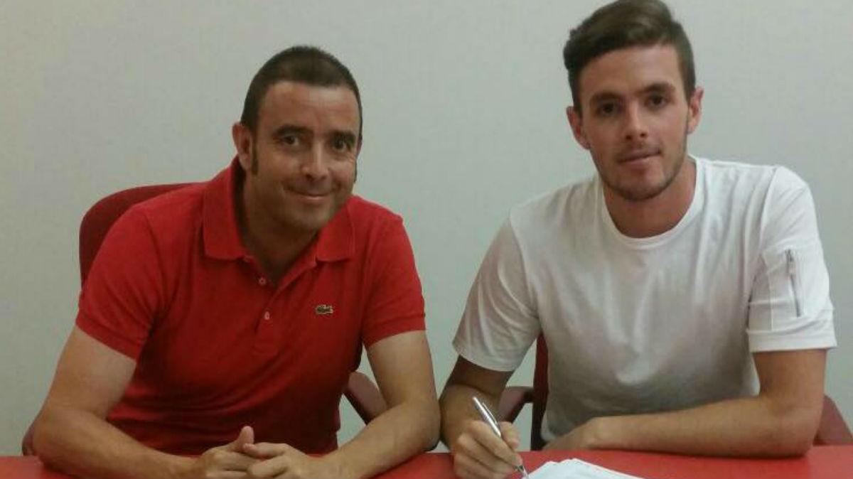 Curro Harillo firmó con el Braga.