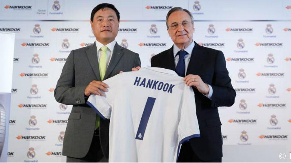 Florentino Pérez, presidente del Real Madrid, junto al presidente mundial de Hankook. (realmadrid.com)