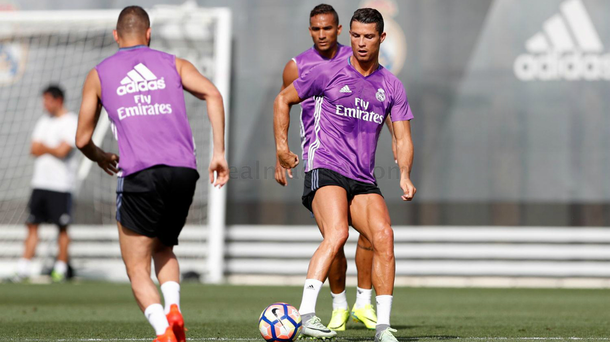 Ronaldo y Benzema entrenaron con el grupo. (realmadrid.com)
