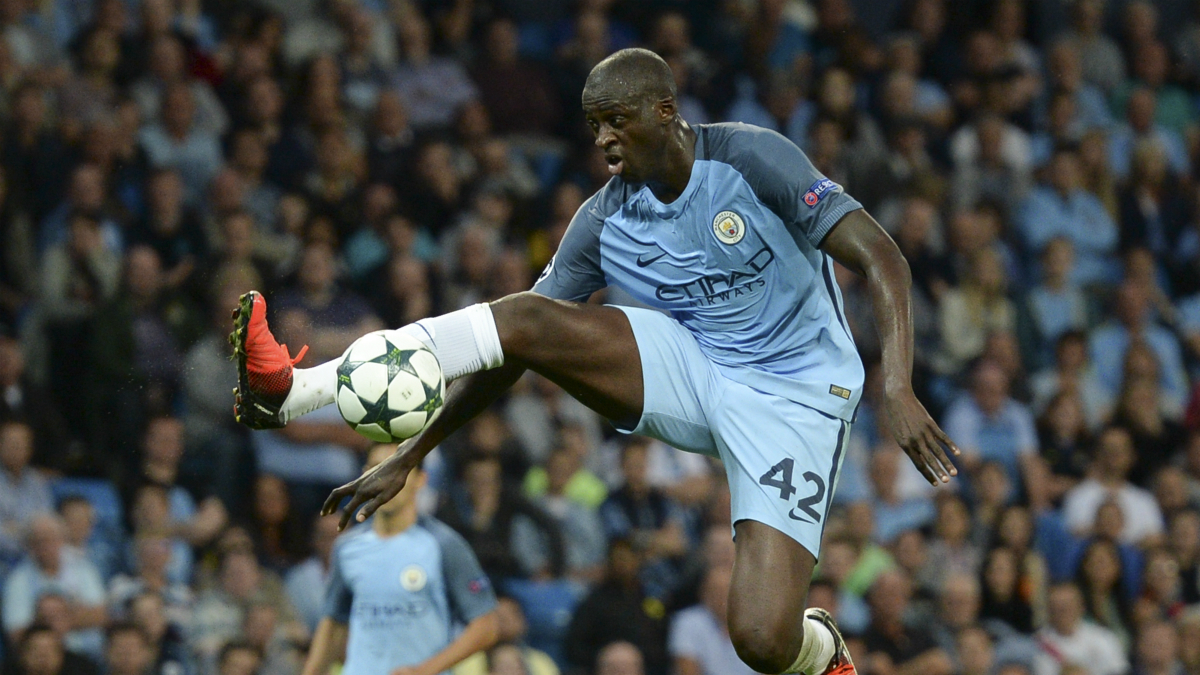 Yaya Toure, en un partido con el Manchester City. (AFP)