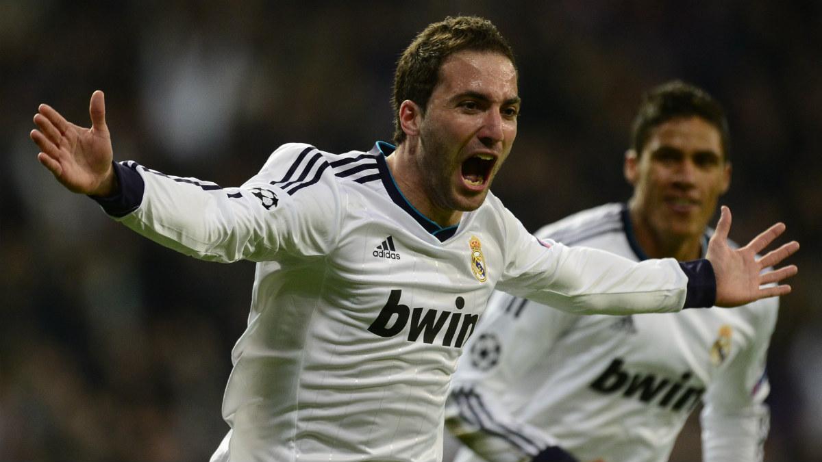 Gonzalo Higuaín celebra un gol con el Real Madrid. (AFP)