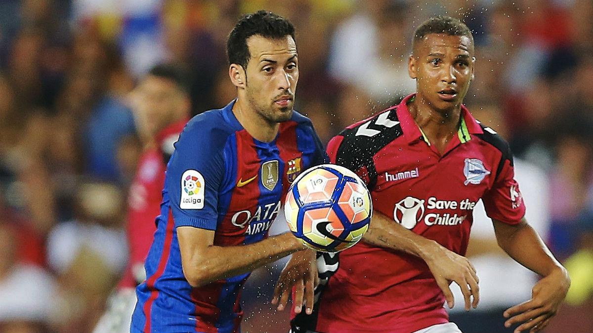 Busquets, en el partido contra el Alavés. (EFE)