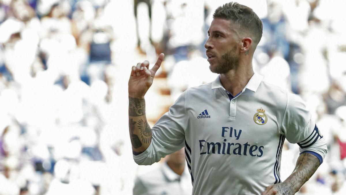Sergio Ramos celebra su gol ante Osasuna. (EFE)