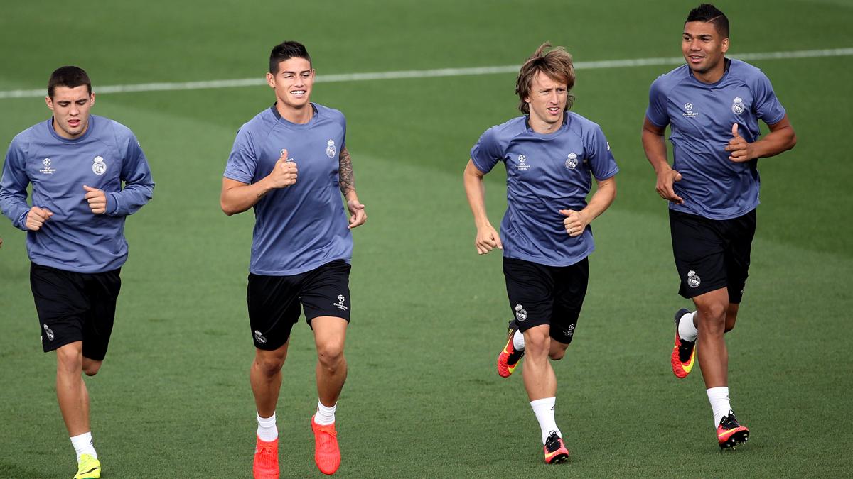 Kovacic, James, Modric y Casemiro, durante un entrenamiento.