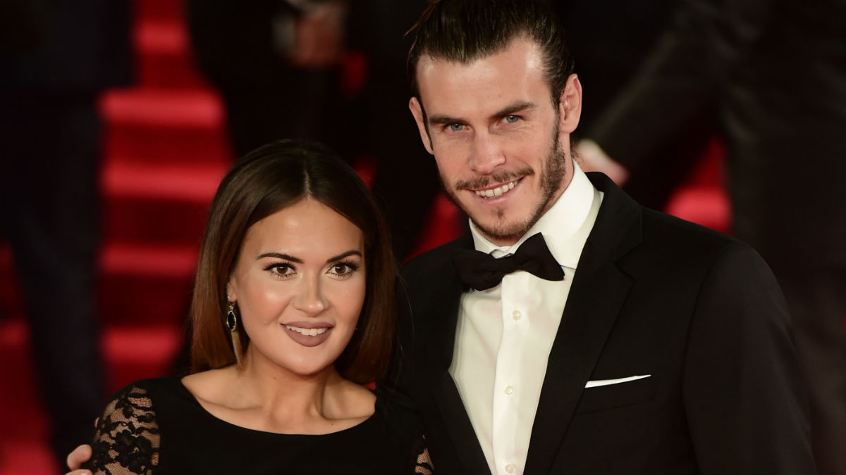 Gareth Bale y su prometida Emma. (AFP)