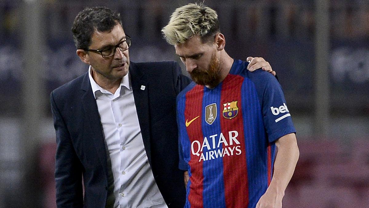 Messi se marchó lesionado del choque ante el Atlético. (AFP)