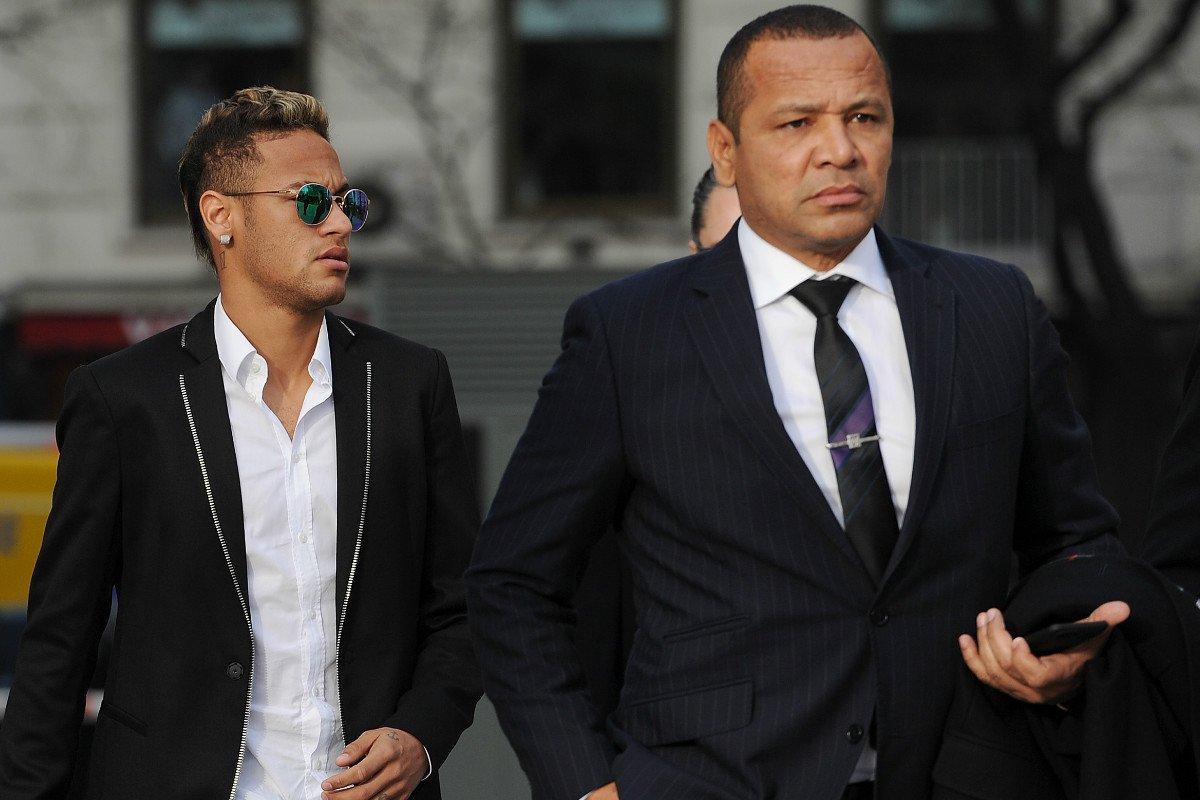 Neymar y su padre en la Audiencia Nacional. (Foto: Getty)