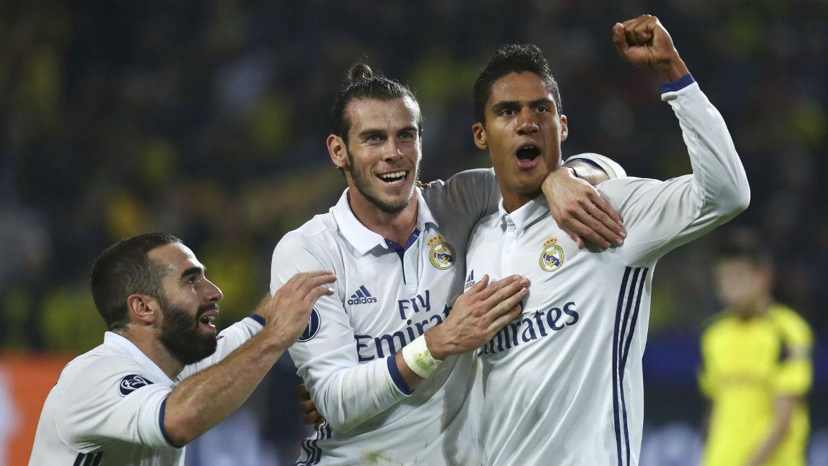 Varane celebra el gol junto a Bale. (Reuters)