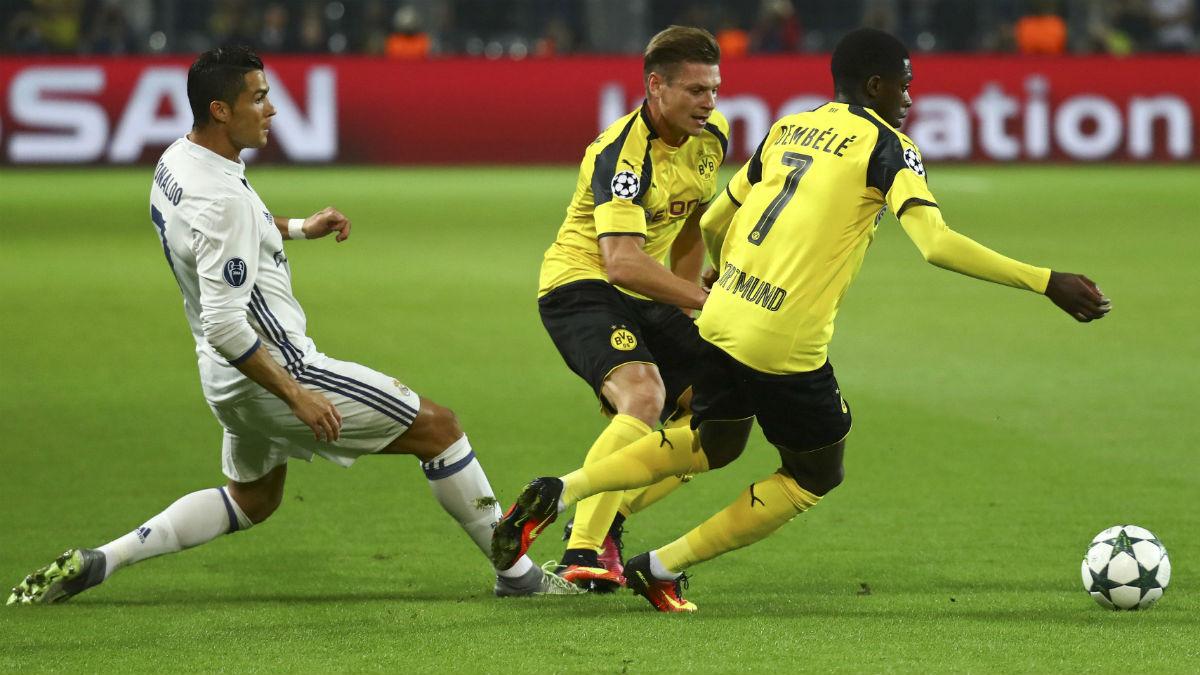Dembélé, ante Cristiano Ronaldo. (Reuters)