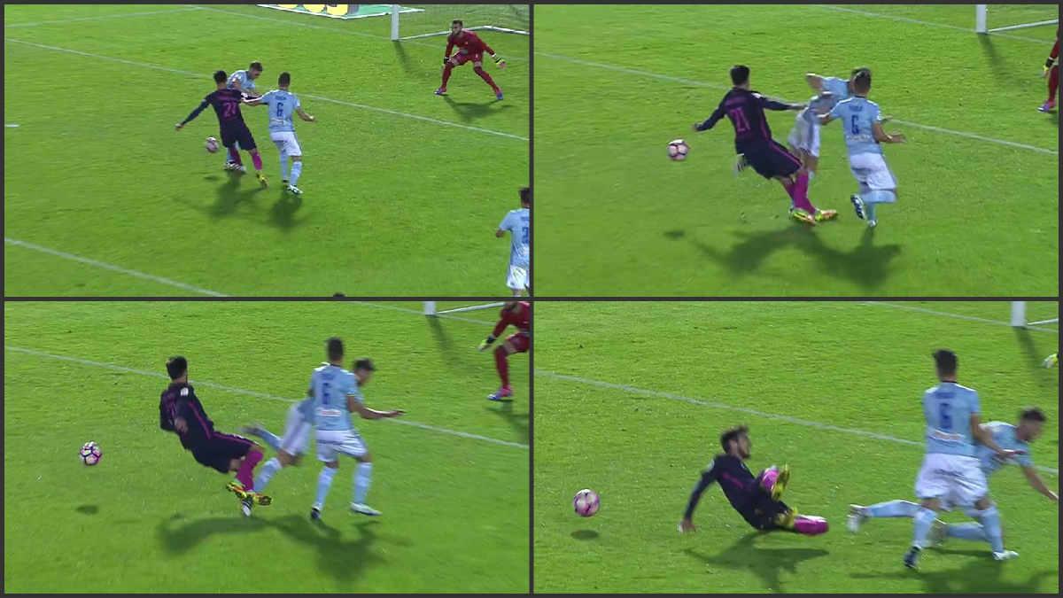 El árbitro pitó penalti de Hugo Mallo sobre André Gomes.