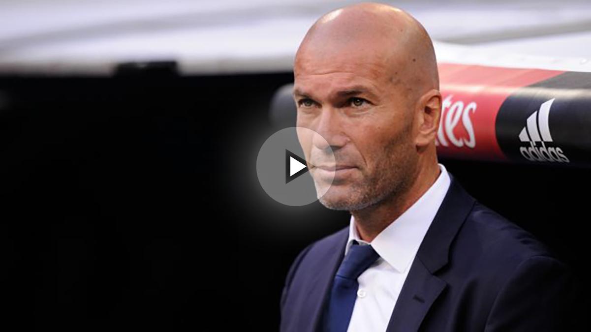 Zinedine Zidane en el banquillo del Santiago Bernabéu. (Getty)