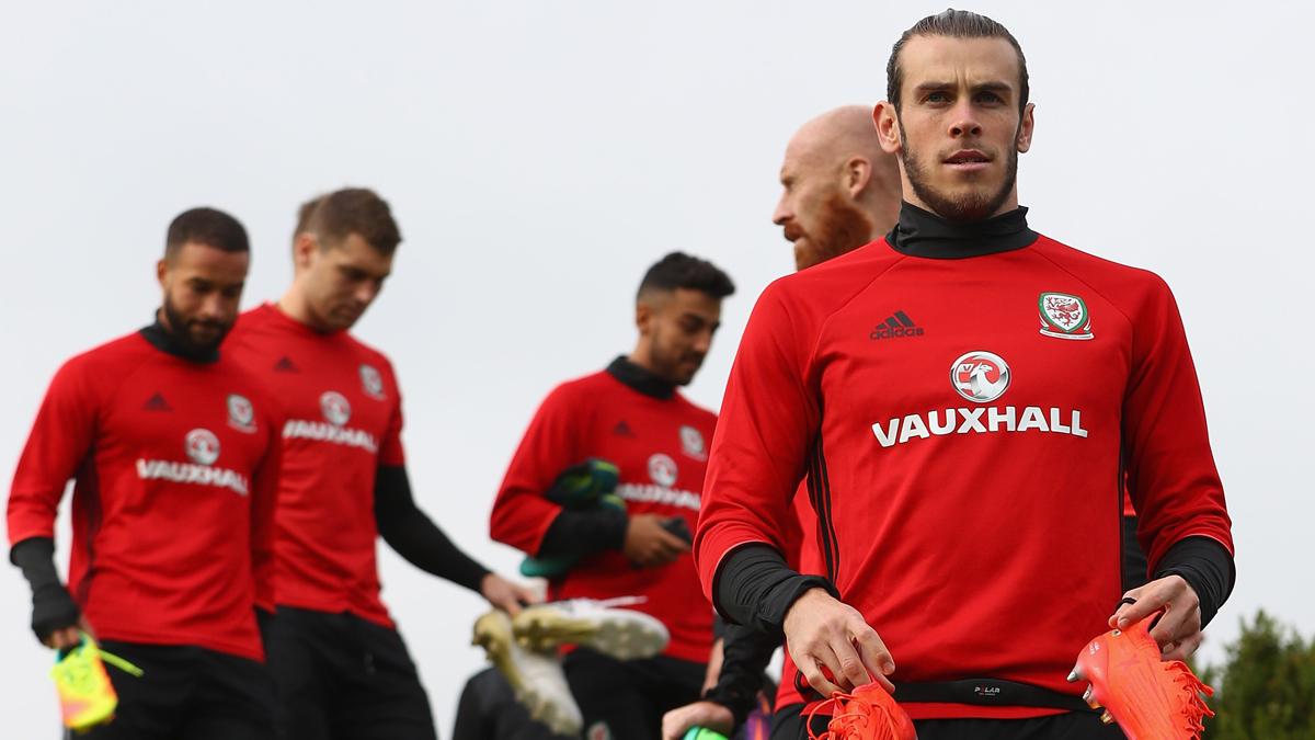 Bale, en un entrenamiento con la selección de Gales.