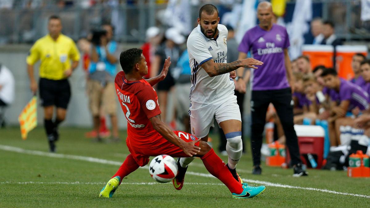 Thiago Silva se mide a Jesé en un partido de la pretemporada del Real Madrid. (Getty)