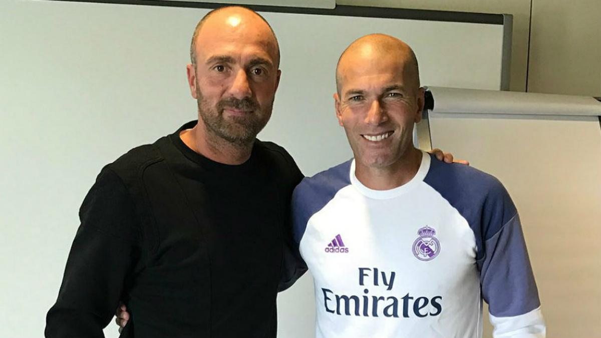Zidane junto a su ex compañero Christoph Dugarry. (RMC)
