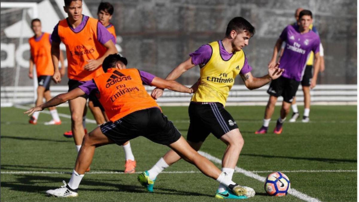Víctor Campuzano entrenando con el Castilla. (Realmadrid.com)