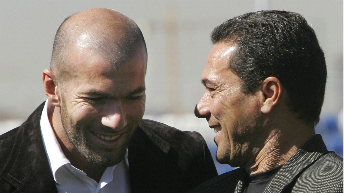 Vanderlei Luxemburgo dialoga con Zidane en su época como entrenador del Real Madrid. (AFP)
